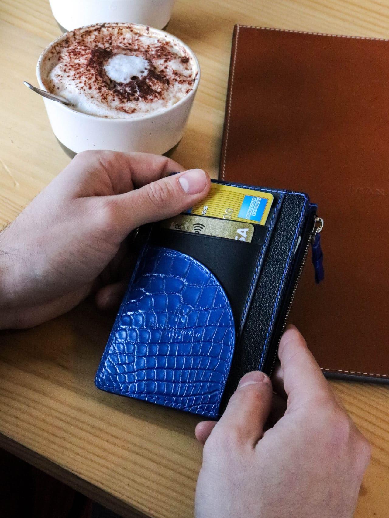 card holder alligator